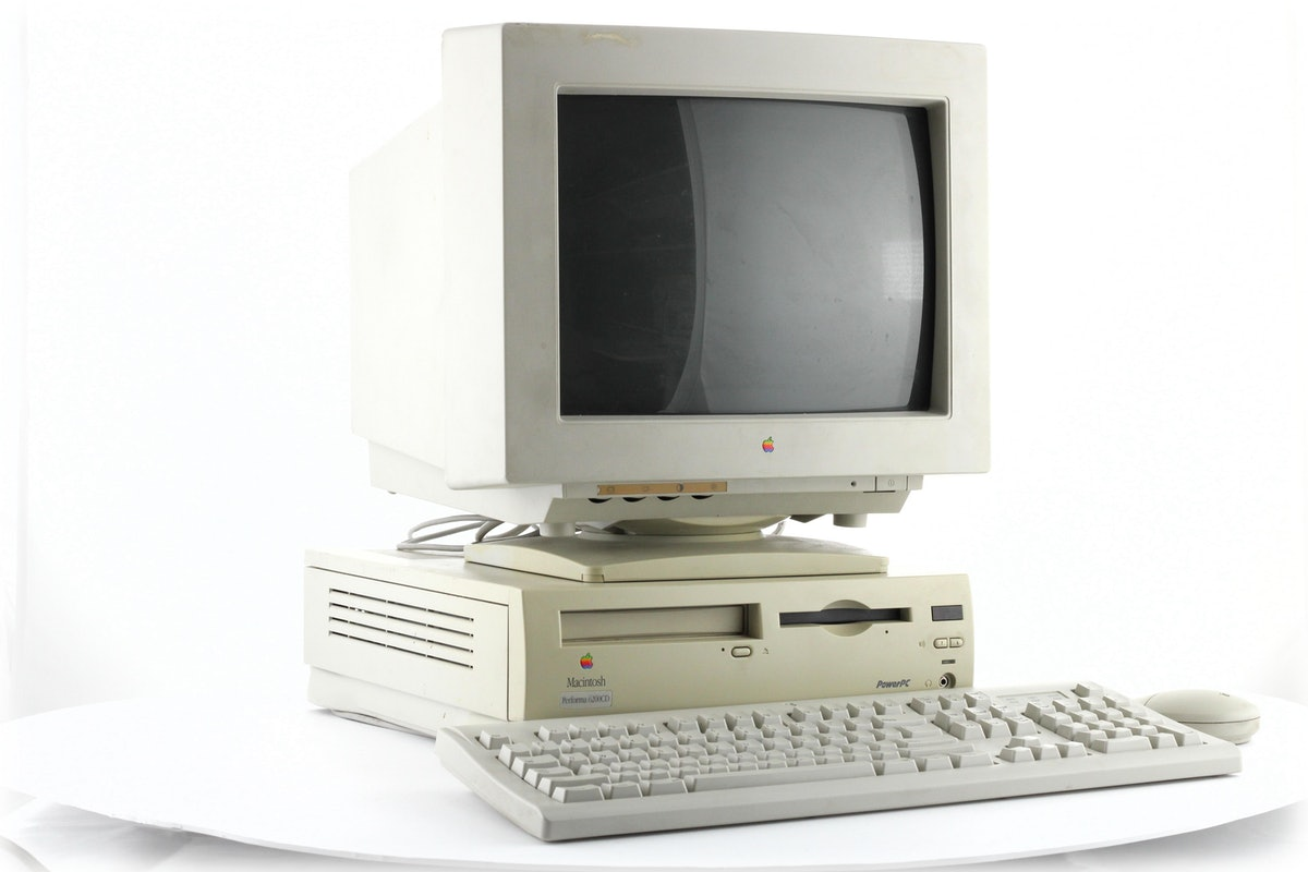 "Apple Color Plus 14"" Display"