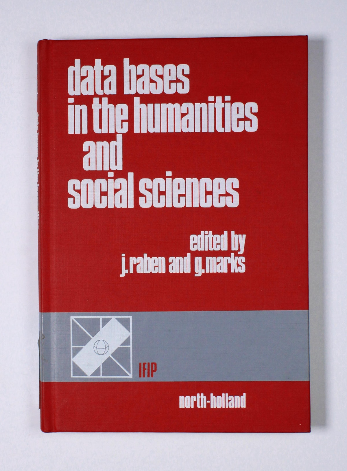 Data Bases in the Humanities and Social Sciences